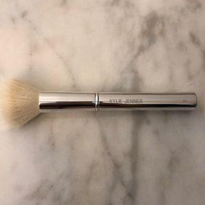 Kylie Cosmetic- #2 large stippling brush NWOT